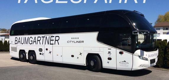 Der Reisebus ist der